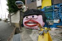 堺市の高級住宅地にガーデニングがすごすぎる家が。
